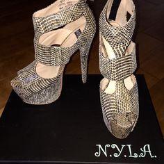 f50d5064a9a HOT!! Snake Skin Platform High Spike Heels size 7.5 N.Y.L.A. Shoes Platforms