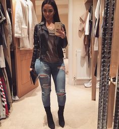 Fashion killa, casual night out outfit, going out outfits for women night. Mode Outfits, Grunge Outfits, Jean Outfits, Classy Outfits, Casual Outfits, Fashion Outfits, Fashion Trends, Womens Fashion, Casual Night Out Outfit