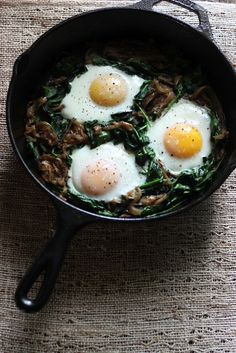 power greens breakfast skillet  Serves: 2  |  Serving Size: 1/2 of skillet  Per serving: Calories: 285 ; Total Fat: 16g; Saturated Fat: 7g; Monounsaturated Fat: 5g; Cholesterol: 271mg; Sodium: 357mg; Carbohydrate: 21g; Dietary Fiber: 4g; Sugar: 4g; Protein: 17g  - See more at: http://blog.myfitnesspal.com/2014/05/power-greens-breakfast-skillet/#sthash.2YT07X1P.dpuf