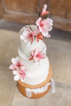 A Fine-Art Inspired Wedding Editorial With Magnolia & Cherry Blossoms Wedding Trends, Wedding Blog, Dream Wedding, Wedding Ideas, Bridal Shoot, Wedding Shoot, Creative Wedding Cakes, Cake Trends, Industrial Wedding