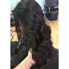 Caramel highlights for dark hair // brown balayage for black hair // Instagram @samcheevs