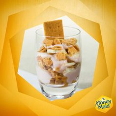 Check out our Honey Graham Cracker Morning Parfait recipe for an easy-to-make breakfast. Easy To Make Breakfast, Breakfast For Kids, Yummy Recipes, Cooking Recipes, Yummy Food, Parfait Recipes, Low Carb Desserts, Preschool Ideas, Graham Crackers