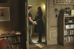 "Robin Hood and Regina - 4 * 19 ""Lily"""