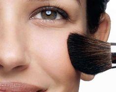 Para uma maquiagem perfeita é preciso antes de tudo limpar e preparar a pele, para isso existem alguns truques que vamos mostrar nessa matéria com dicas e o passo a passo, confira!