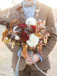 the perfect loose Fall bouquet