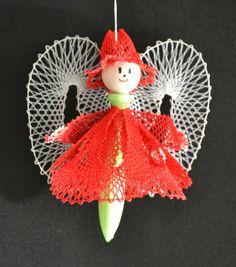 valmue Christmas Ornaments, Holiday Decor, Lace, Inspiration, Fabrics, Dots, Bobbin Lace, Quilt Block Patterns, Children