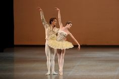 Royal Danish Ballet's performance Theme and Variations - Photo by WANG Xiaojing