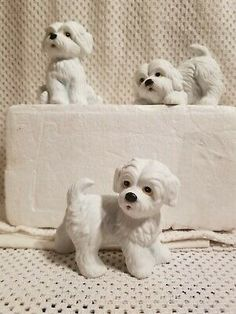 Find many great new & used options and get the best deals for Home Interiors Homco Conjunto de 3 figuras # 1411 Blanco Cachorro Perros Perrito Maltés at the best online prices at eBay! Free shipping for many products! White Puppies, Dogs And Puppies, Westies, Cocker Spaniel, Shih Tzu, Home Interiors And Gifts, Teddy Bear, Ebay, Free Shipping