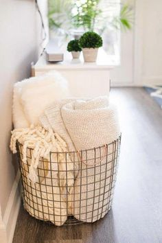 Home Interior White all the cozy college apartment living room ideas I've been looking for.Home Interior White all the cozy college apartment living room ideas I've been looking for Room Ideas Bedroom, Bedroom Decor, Diy House Ideas, Bedroom Ideas For Small Rooms, Budget Bedroom, Bedroom Small, Trendy Bedroom, Small Bathroom, Bathroom Ideas