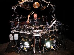 Flo Mouriner ( Pearl Drums )