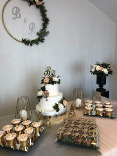& Feiern The Effective Pictures We Offer You About decoration table noir A quality picture can Wedding Desserts, Wedding Cakes, Wedding Decorations, Bridal Shower Tables, Civil Wedding, Gender Neutral Baby Shower, Deco Table, Dessert Table, Special Day
