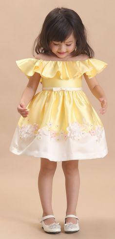 DORIAN HO Baby Doll FW 17/18 Baby Girl Dresses, Cute Dresses, Flower Girl Dresses, Frocks For Girls, Kids Frocks, Outfits Niños, Kids Outfits, Baby Girl Fashion, Kids Fashion