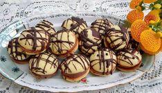 Paleuri cu ciocolată, erau printre cele mai căutate deserturi ale copilăriei Muffin, Sweets, Breakfast, Dessert, Kitchens, Rome, Morning Coffee, Gummi Candy, Candy