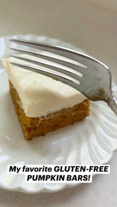 Gluten Free Pumpkin Bars, Gluten Free Deserts, Gluten Free Sweets, Foods With Gluten, Gluten Free Cooking, Dairy Free Recipes, Pumpkin Recipes, Gluten Free Meals, Baking Recipes