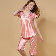 Resultado de imagen para como hacer ropa de dormir para dama de seda