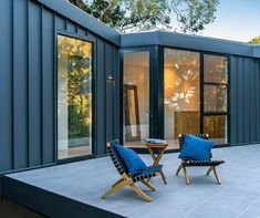 Here's 5 key areas to consider when thinking about the cladding of your home and how it needs to perform - and achieve peace of mind! Black Cladding, Roof Cladding, Steel Cladding, House Cladding, Exterior Cladding, Wall Cladding, Facade House, House Exteriors, Cladding Ideas