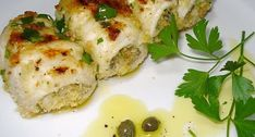 Gli involtini di pesce spada alla sicilianasono un secondo piatto un po' impegnativo, ma dai risultati molto soddisfacenti. Propongono, tra le altre cose,