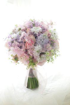クラッチブーケ ポールボキューズ様へ ラベンダーと淡いピンク : 一会 ウエディングの花