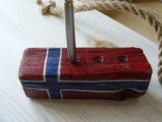 Pen holder gift for traveler Norwegian flag by BalticWoods on Etsy