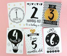 Printable Black White & Gold Baby Milestone Cards door Mockeri