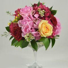 Aranjament de masa disponibil pe 123flori.ro Diana, Floral Wreath, Wreaths, Table Decorations, Home Decor, Floral Crown, Decoration Home, Door Wreaths, Room Decor