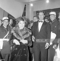 News Photo : Italian actor Marcello Mastroianni and French... Anouk Aimee, Marcello Mastroianni, French Actress, Still Image, Cannes, Presentation, Actresses, Actors, Concert