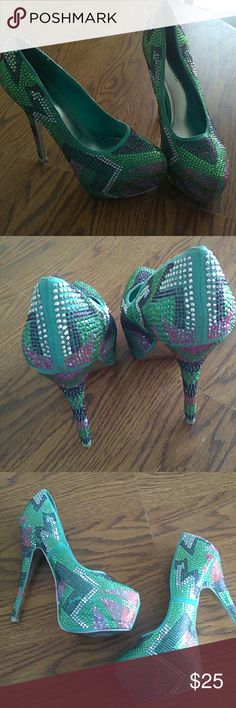 Sparkle Heels Good condition. Really cute. Missing a few sparkles on one side but you can see in the picture. Size 8.5 Mascotte Shoes Heels