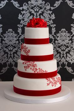 red-velvet-lace-wedding-cake......i wish!