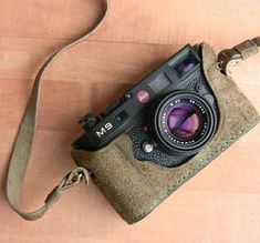 Leicatime Half Case for Leica M9.