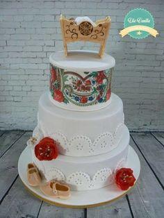 Polish Highlander Wedding Cake I Love This Wonder What