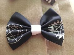Supernatural fans this bow's for you! This large handmade epic bow is cotton with symbols from the popular show, Supernatural. Can be a hair bow or a bow tie! Supernatural Crafts, Supernatural Fans, Popular Shows, Hair Bows, Handmade, Accessories, Etsy, Ribbon Hair Ties, Hand Made