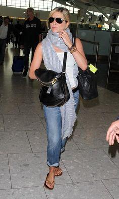 jennifer aniston celebrity style: Jennifer Aniston at the airport