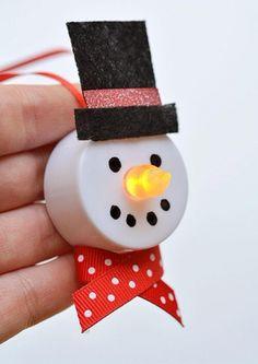 Si vous cherchez un petit projet amusant à faire, seule, ou bien avec vos enfants, ce petit bonhomme de neige avec nez lumineux est le...