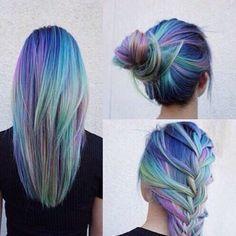 Des idées de coiffures pour les cheveux colorés. #coloration #cheveux #meches #balayage #pastel #monvanityideal