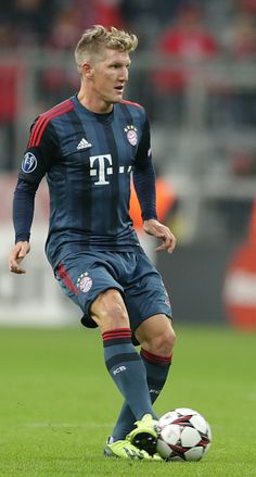 Can we just talk about Basti's new hair for a second? #zisisfashun