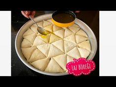 Laz böreğinin yufkasını kendi evinizde hemde hiç zorlanmadan tül inceliğinde açarak yapabilirsiniz. Tül gibi yufka açma ve iftar böreği tarifini bu akşam Flatbread Pizza, Baking Recipes, Pudding, Make It Yourself, Cooking, Desserts, Cake, Amigurumi, Food