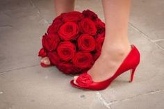 Matching shoes and flower?  GENIUS!