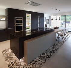 Soon you will find there are ideas for nearly anyone with one of these galley long narrow kitchen layout ideas. Modern Kitchen Cabinets, Modern Kitchen Design, Kitchen Layout, Kitchen Interior, Kitchen Decor, Black Kitchens, Luxury Kitchens, Home Kitchens, Grand Kitchen