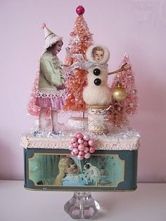 Art Journal - Altered Treasures - Assemblage Finds - Winter Scene - altered art ~ ღ ~ ღ Primitive Christmas, Shabby Chic Christmas, Pink Christmas, All Things Christmas, Vintage Christmas, Christmas Holidays, Christmas Decorations, Christmas Ornaments, Christmas Scenes