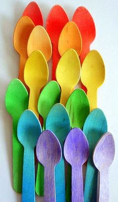 20 Wooden Ice Cream Spoons - Rainbow of Colors - Perfect For Parties & School Lunches Love Rainbow, Taste The Rainbow, Over The Rainbow, Rainbow Colors, World Of Color, Color Of Life, All The Colors, Vibrant Colors, Rainbow Connection