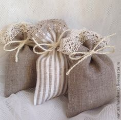 Lavender Crafts, Lavender Bags, Lavender Sachets, Hessian Crafts, Sewing Crafts, Sewing Projects, Decorated Gift Bags, Sachet Bags, Homemade Wedding Favors