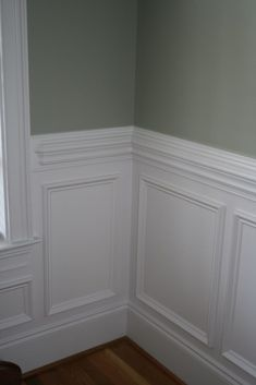 Beautiful wall trim moulding - traditional wainscoting with contrasting wall col. Beautiful wall trim moulding - traditional wainscoting with contrasting wall color above the chair rail, via Garden Web House Design, Wall Trim, Interior, Home Remodeling, Moldings And Trim, Dining Room Decor, Dining Room Wainscoting, Wall Trim Molding, Wainscoting Styles