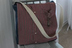 Mans Shirt to Messenger Bag - Free Sewing Tutorial This bag is made from a man's shirt and has nice big manly proportions.