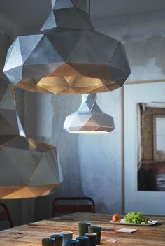 HELIX pendant by MARC DE GROOT. Dutch Design. Hanglamp Helix in aluminium, wit, zwart/goud of messing. Volledig met de hand gemaakt.