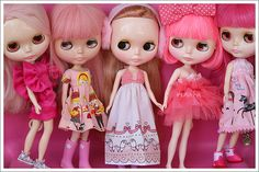 such a sweet pinky blythe collection! I notice quite a few blythe collectors like pink!
