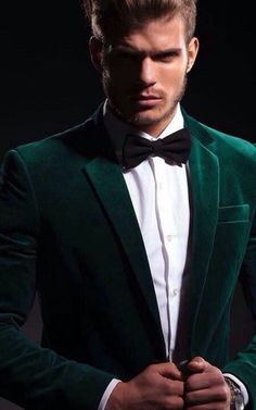 Difference You Should Know Sports Jacket, Blazer and Suit Jacket! is part of Wedding suits men - Understand the difference between and the actual meaning of these types of jackets i e sports jacket, blazer and suit jacket to make the perfect decision Groom Outfit, Groom Attire, Sharp Dressed Man, Well Dressed Men, Cold Wedding, Formal Tuxedo, Velvet Suit, Velvet Jacket, Velvet Blazer