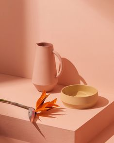 Endless summers with our Unison carafe and bowl 〰️ Happy weekend! Minimal Photography, Object Photography, Still Life Photography, Creative Photography, Amazing Photography, Cake Photography, Product Photography, Banner Sample, Easy Shots