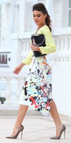 Look Fashion Rio: Printed midi skirt - Super Vaidosa Jw Fashion, Fashion Moda, Work Fashion, Modest Fashion, Womens Fashion, Heels Outfits, Cute Outfits, Outfit Trends, Mode Style