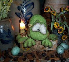 "Primitive Fuzzy 3"" Frog Shelf Doll Vtg Patti's Ratties Bear Spring Toad Ornament"