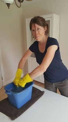 You have never seen these 10 cleaning tricks - Trend Autos Reinigen Tipps 2020 House Cleaning Tips, Cleaning Hacks, Clean Out, Diy Storage Bench, Crafts For Teens To Make, Cleaning Painted Walls, Dollar Store Crafts, Diy Home Crafts, Easy Crafts